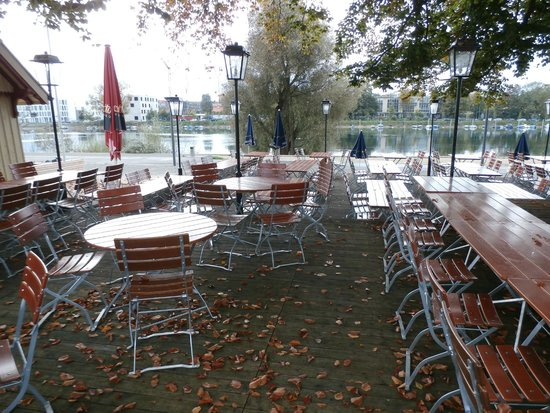 garden seating with view over the rhein picture of brigantinus restaurant und biergarten. Black Bedroom Furniture Sets. Home Design Ideas