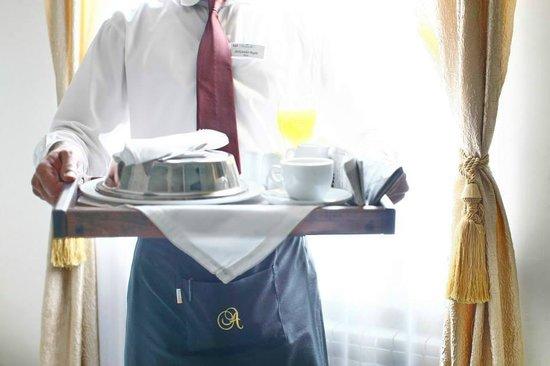 Queen 39 s astoria design hotel belgrad serbien omd men for Design hotel queen astoria