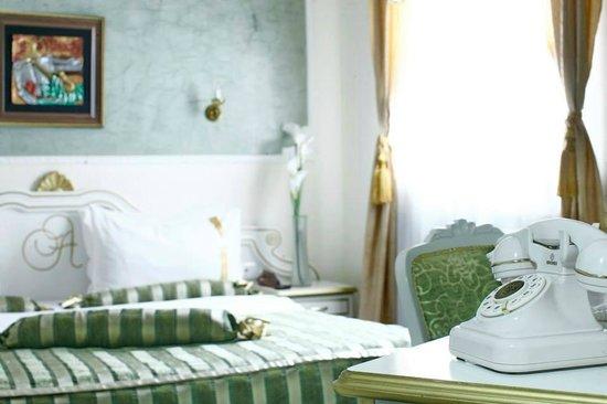 Queen 39 s astoria design hotel belgrad arvostelut sek for Design hotel queen astoria