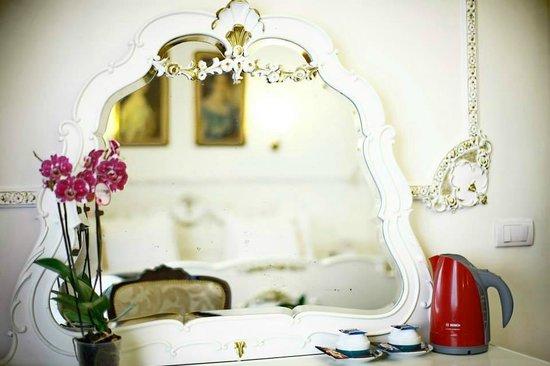 Queen S Astoria Design Hotel Belgrade