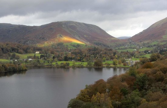 Loughrigg Fell: across to Grasmere
