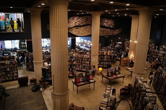 ‪The Last Bookstore‬