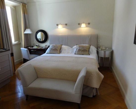 Hotel Savoy: Вид номера