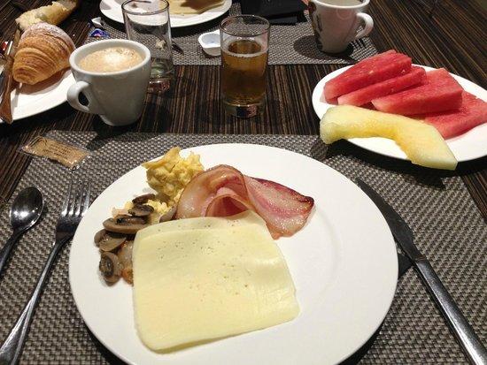 Hotel Grums Barcelona: Petit déjeuner 1
