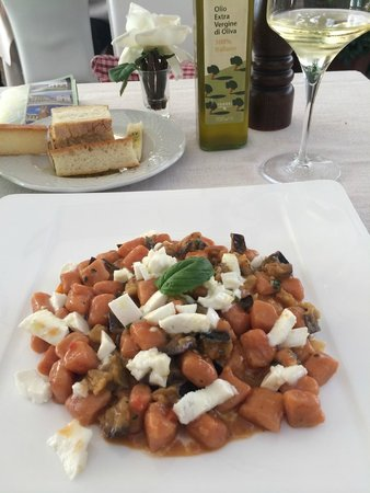 Ristorante all'olivo: The most delicious gnocchi I have ever tasted with eggplant, mozzarella, in a creamy pomodoro sa