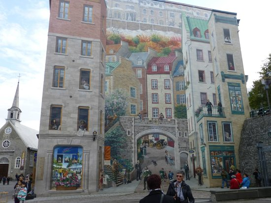 Building mural lower qc picture of old quebec quebec for Mural quebec city
