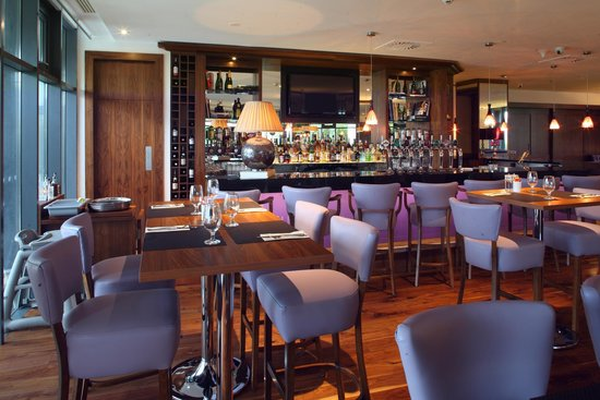 The New Yorker Bar in Cork International Hotel