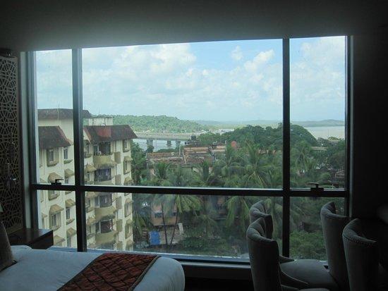 Country Inn & Suites By Carlson - Goa Panjim: Mandovi River View