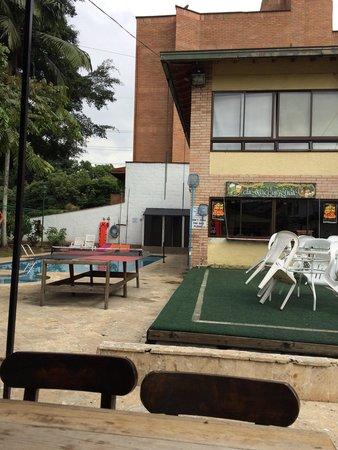 Pitstop Guest House : Na área de lazer tem também Mini quadra de vôlei e de futebol.