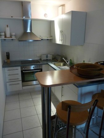 HSH Hotel Apartments Mitte: kitchenette