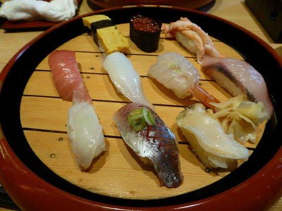 Mori Mori Sushi Kanazawa Ekimae: 本日のお勧め 1800円