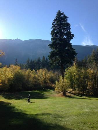 Lillooet, Canadá: Half way round Sheep Pasture Course