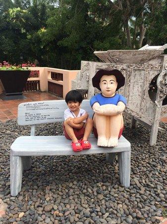 Anantara Hua Hin Resort: Jonah hanging out with Anan