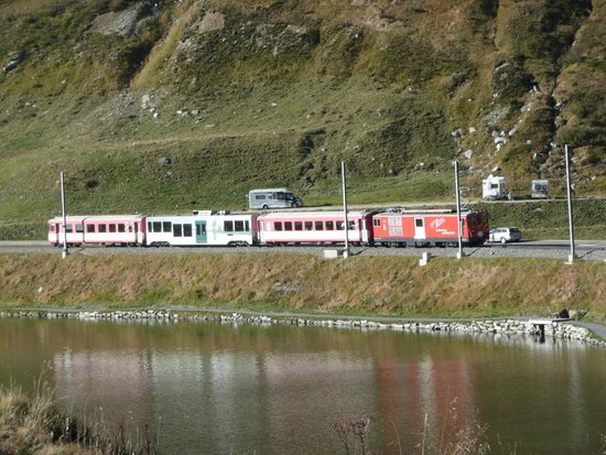 Tschamut, Ελβετία: Glacier express Oberalp Pass