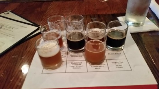 Black Swan Brewpub: The Sampler