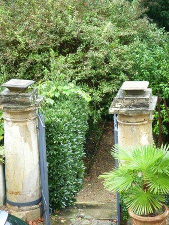 Les Jardins de Lois: View from room - Chambre CLOS DU ROI