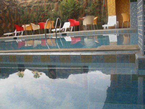 Hotel Gomassine : piscine