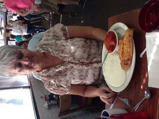 Litchfield Restaurant: Great Southern Breakfast: Flounder and grits