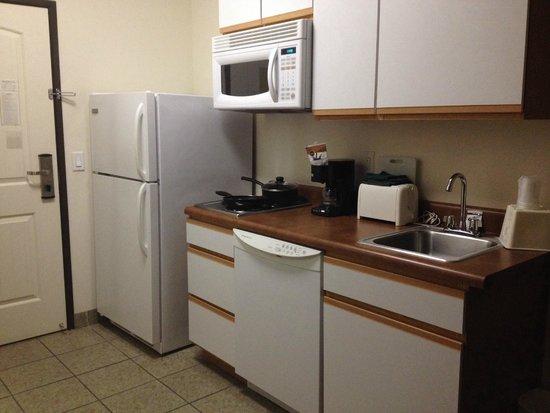 Sierra Vista Extended Stay: kitchenette
