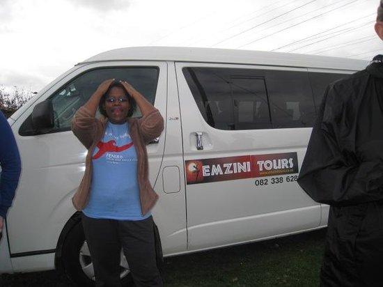 Knysna, Sør-Afrika: Emzini tour bus
