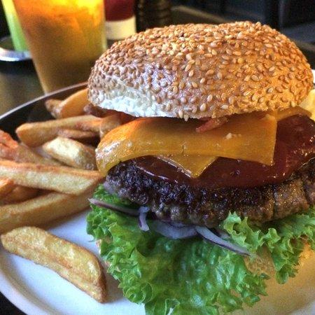 Halifax: Excellent Burger!!