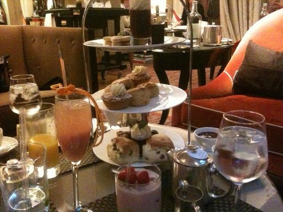 The Athenaeum Hotel & Residences: Afternoon tea at The Athenaeum Hotel's Garden Room