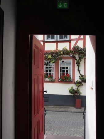 Einladender Blick Zur Obergasse Bild Von Rotox Restaurant