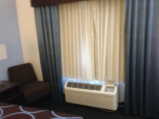 Super 8 San Bruno /SF Intl Arpt West: A/C