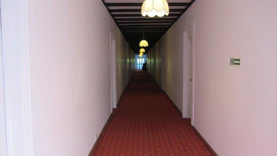 Jetwing St. Andrew's: corridor