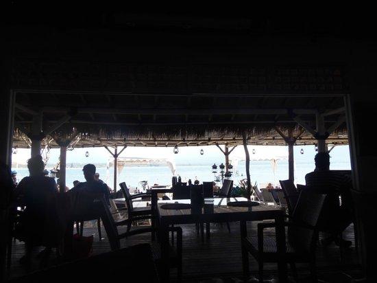 Scallywags Beach Club: seaview