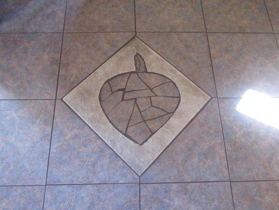 The Aspen Inn: Floor