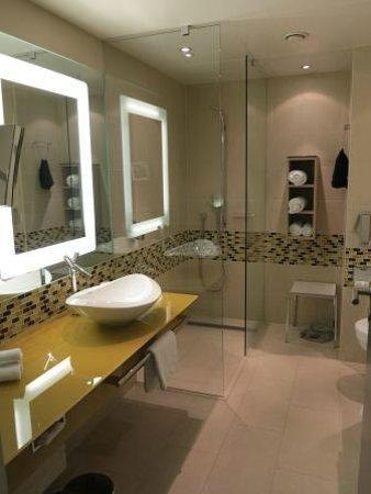 Hilton frankfurt airport hotel badezimmer