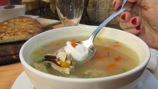 Dolphin Yam: суп из морепродуктов
