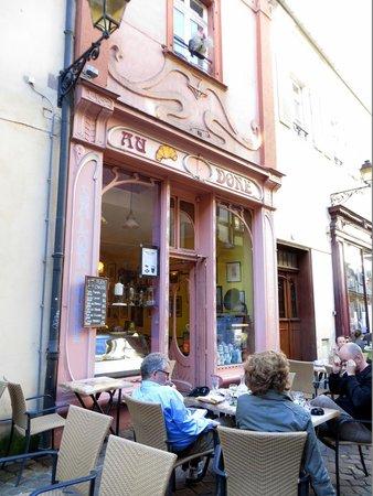 Au Croissant Doré: Café Au Doré