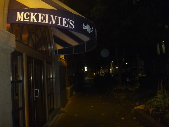 McKelvie's Delishes Fishes Dishes: front entry