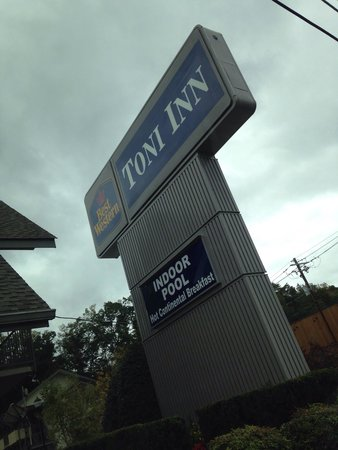 Best Western Toni Inn: When we first arrived