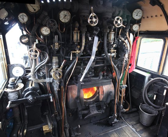 Pictures of Train Engine Inside - #rock-cafe