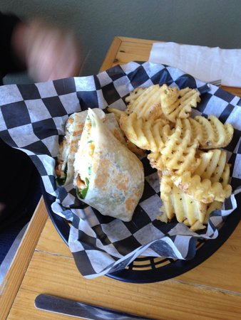 Food Dudes : Fried rockfish wrap
