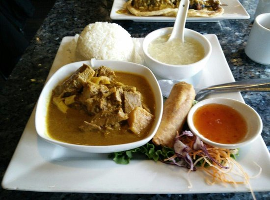 Saigon Star: Beef curry lunch combo!