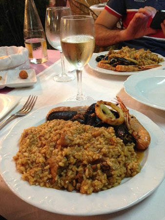 Restaurant Bahia: paella catalana