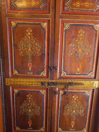 Riad Basma: Closet door detail
