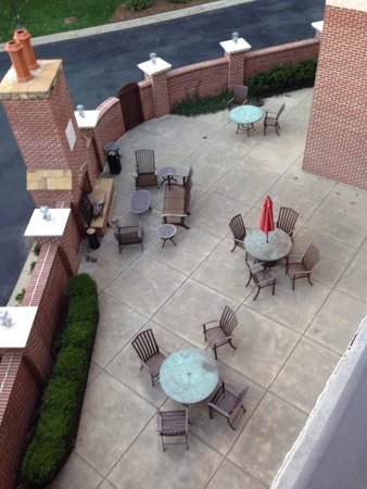 Doubletree Hotel Biltmore / Asheville: Court yard