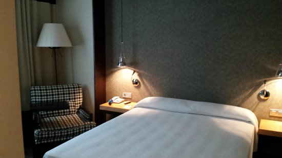 NH Sants Barcelona: Standard room