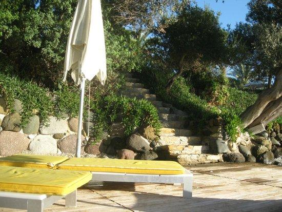 Isil Club Bodrum: Petit escalier menant aux pontons
