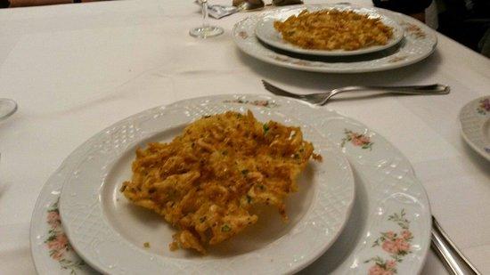 Barbiana: Las mejores tortillitas de camarones del planetas.son encajes de virgen de palio de sevilla