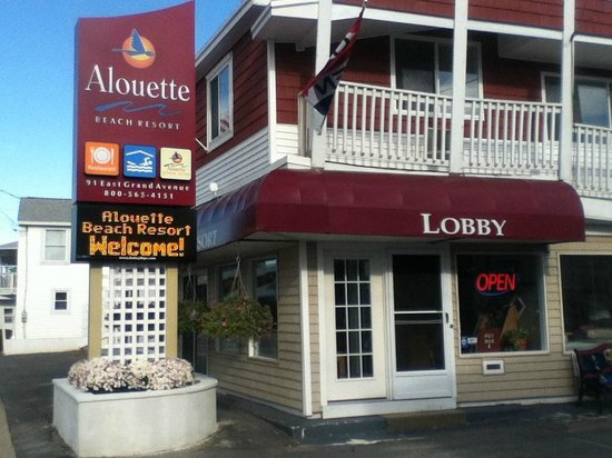 Alouette Beach Resort got a new sign!