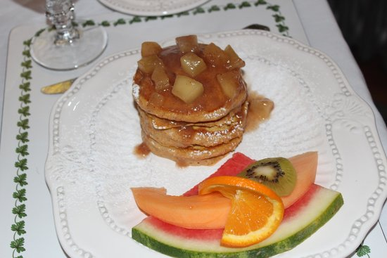 Bristol, Νιού Χάμσαϊρ: Pumpkin pancakes with spiced apple topping