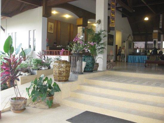 Golden Pine Resort: hall d'accueil chaleureux et accueillant