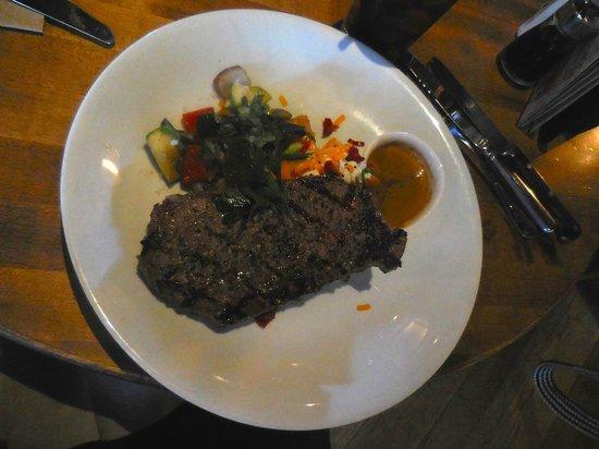 JOEY Eau Claire: Steak poivre