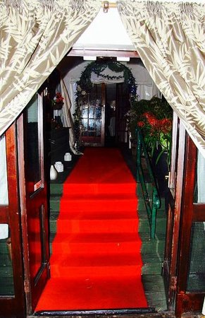 heaven restaurant bar gallery red carpet treatment entrance to the marquee